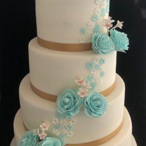 Witte bruidstaart kant roos