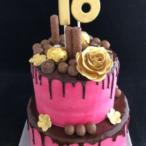 sweetsixteen rose goud dripcake