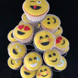 Smile Cupcake