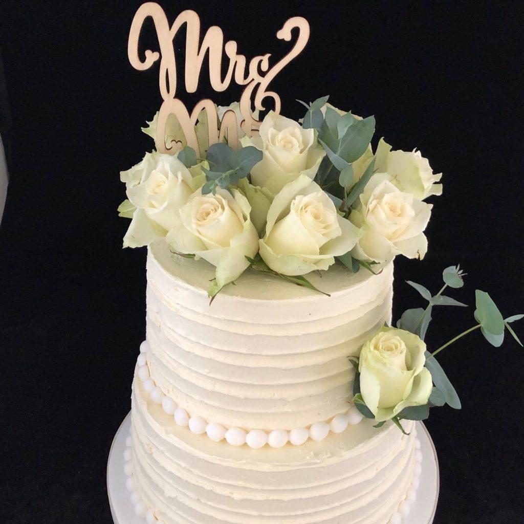 Bruidstaart met rozen