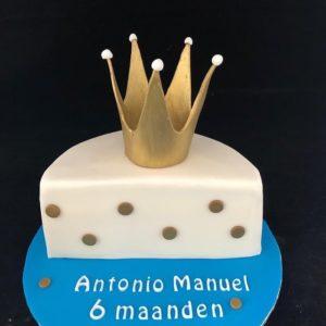 halfjaar taart met kroon