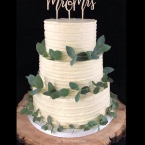Bruidstaart met eucalyptusblad